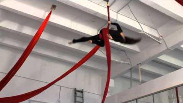 Урок по воздушной гимнастике на полотнах Крутка