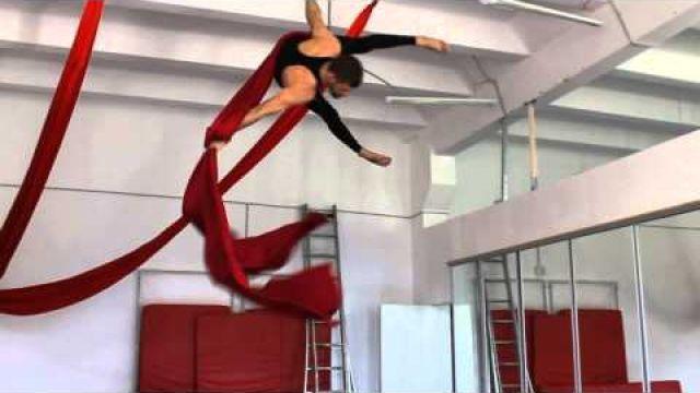 Урок по воздушной гимнастике на полотнах Крутка Мужская
